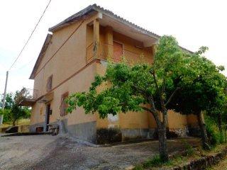 Foto 1 di Bilocale contrada Monacelli, Lustra