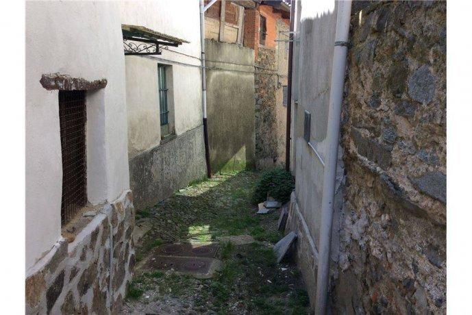 Foto 3 di Rustico / Casale frazione Favaro, Biella
