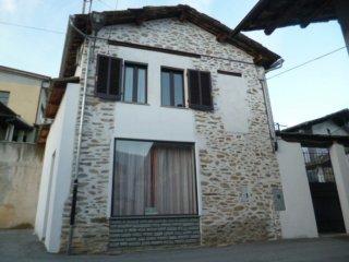 Foto 1 di Rustico / Casale Via Sant'Andrea, 4, Brossasco