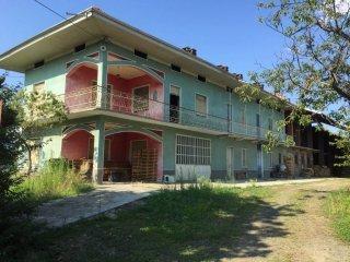 Foto 1 di Villa Località Vastalla, Ciriè