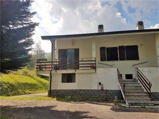 Foto 1 di Villa via Quinzeina, 28, Colleretto Castelnuovo