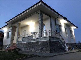 Foto 1 di Villa via alla stazione, Pinerolo