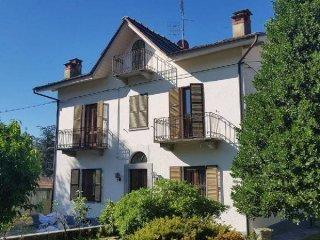 Foto 1 di Villa viale De Amicis, Luserna San Giovanni