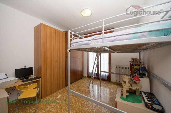 Foto 5 di Appartamento via Chiabrera, 23, Savona