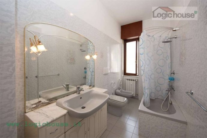 Foto 11 di Appartamento via Chiabrera, 23, Savona