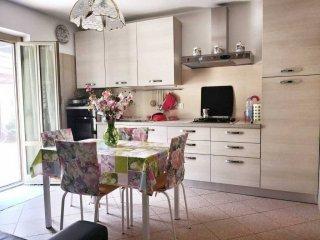 Foto 1 di Villa via G.B. Parodi, 38, frazione Santa Giustina, Stella