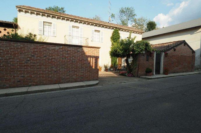 Foto 1 di Appartamento via Santa Maria 14, Ozzano Monferrato