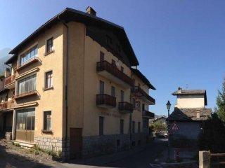 Foto 1 di Palazzo / Stabile Saint Marcel