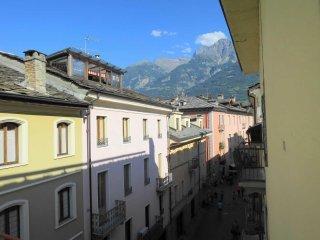 Foto 1 di Quadrilocale Aosta
