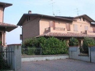 Foto 1 di Villetta a schiera Sassuolo