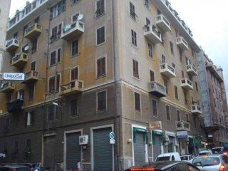 Foto 1 di Trilocale via San Giovanni d'Acri 1, Genova (zona Cornigliano)