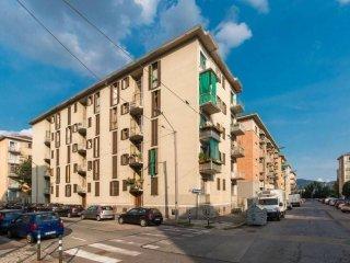 Foto 1 di Bilocale via Pietro Pomponazzi 13, Torino (zona Lingotto)