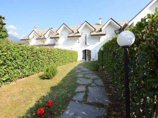 Foto 1 di Villa a Schiera via Monginevro, Luserna San Giovanni