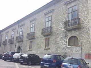 Foto 1 di Palazzo / Stabile Sant'angelo Le Fratte