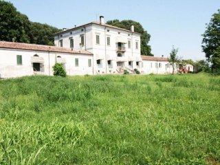 Foto 1 di Villa via Gulli 5, frazione Garolda, Roncoferraro