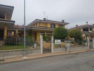 Foto 1 di Villetta a schiera via Gandhi, frazione Roreto, Cherasco