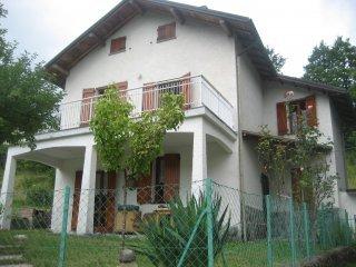 Foto 1 di Villa loc.Villa Cerro, Rezzoaglio