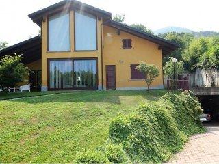 Foto 1 di Villa via Borgo Nuovo, 5, frazione Rivasacco, Givoletto