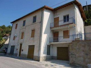 Foto 1 di Bilocale via Piemonte, 6, Erli