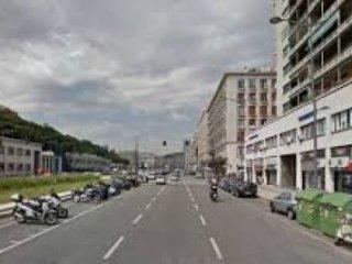 Foto 1 di Negozio Via Brigate Partigiane, Genova