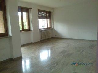 Foto 1 di Appartamento Ivrea