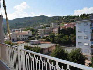 Foto 1 di Bilocale via Alcide De Gasperi, Albenga