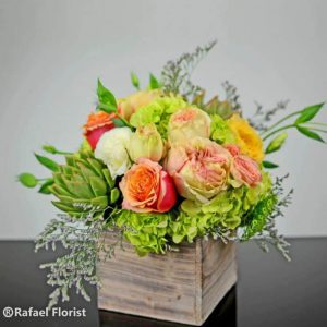 shabby chic centerpiece-rustic cube-garden roses, lisianthus, succulents and hydrangeas