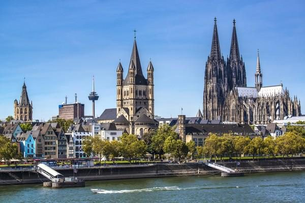 German Rail Holiday: Cologne for Easter: Ffestiniog Travel 1