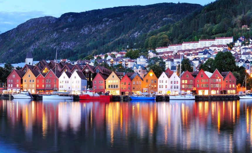 Bergen and Flam - Bergen at Night