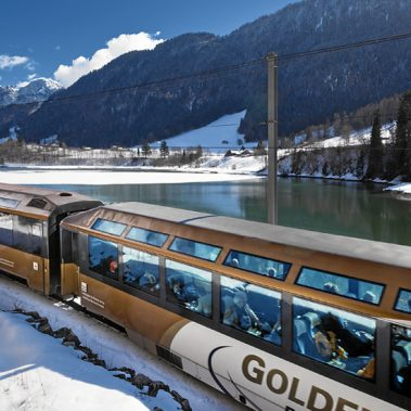 Switzerland's Lakes and Mountains from Bristol | Railbookers 1
