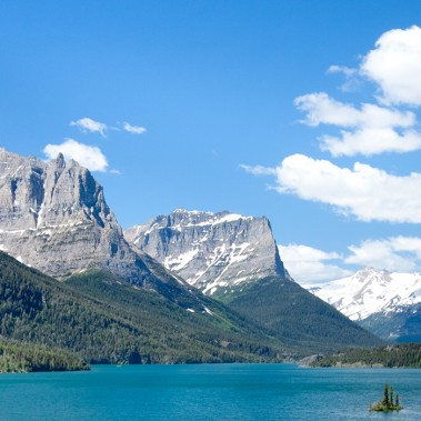 Grand National Parks with Yellowstone, Yosemite, and Glacier National Park | Railbookers 1