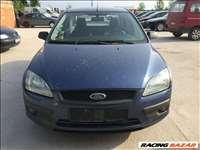 Ford focus 1.6 sedan bontás,motor,váltó,lökhárító,motorháztető,sárvédő,lámpa,ajtó