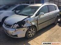 Toyota Corolla Verso Alkatrészei Bontott Alkatrészek 2.2 Dízel 2005 Évjárat