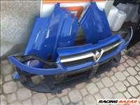 Renault Trafic 2001-2006 bontott alkatrészei: motorháztető, lökhárító, sárvédő, homlokfal.