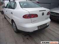 Seat SEAT CORDOBA 2002 Ajtó, lökhárító, sárvédő, motorháztető, csomagtérajtó