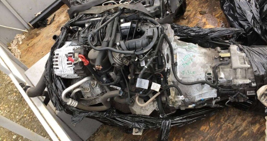 BMW 118D, 318D motor váltó porlasztócsúcs hengerfej önindító klímakompresszor 85827778 F. E széria 4. nagy kép