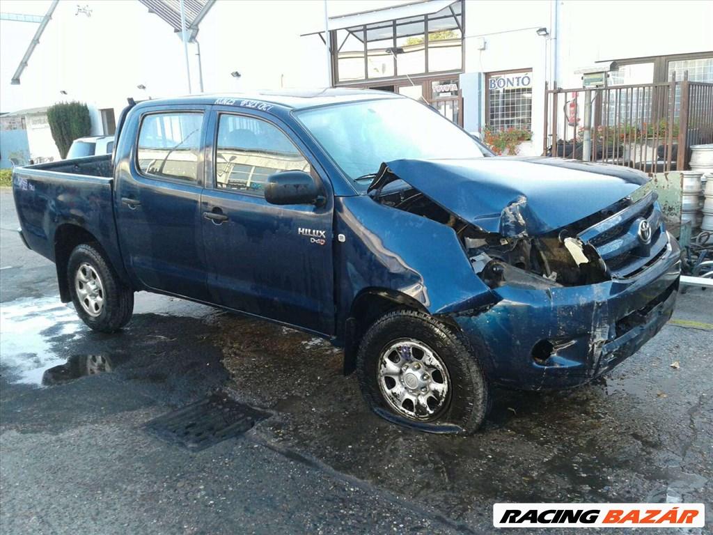 Toyota Hilux bontott alkatrészei 5. nagy kép