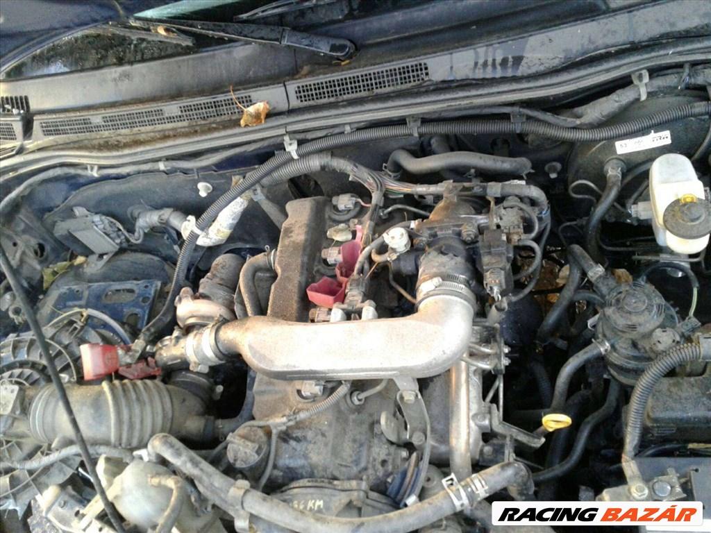 Toyota Hilux bontott alkatrészei 6. nagy kép