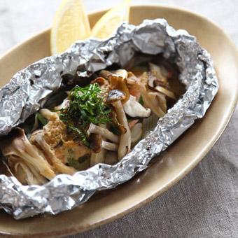味噌バター香る「きのこと魚のホイル焼き」