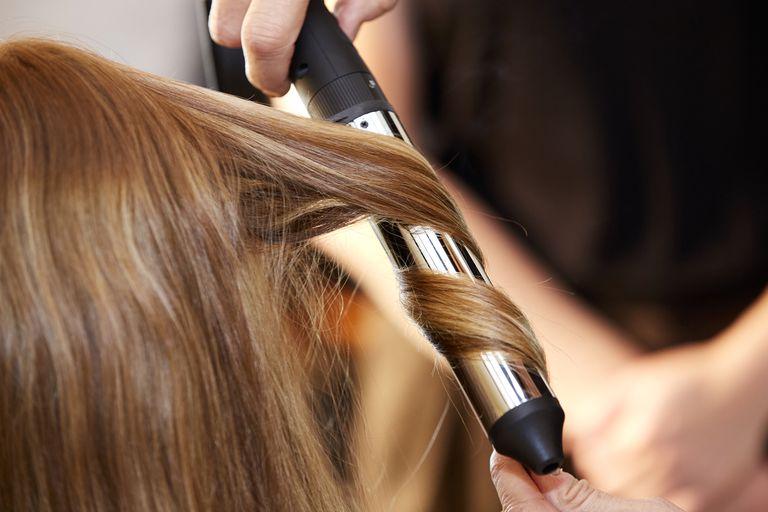 person-styling-hair-982602110-5c5cd29a46e0fb0001ca866b