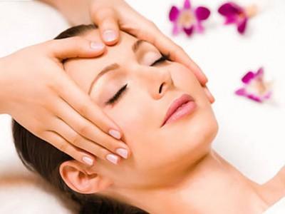 Почистване на лице (мануално или с ултразвукова шпатула) + масаж