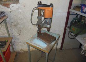 2-Gang - Bohrmaschine mit Ständer