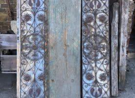 Filigranes Fenstergitter von einer Spätbiedermeier Villeneingangstür (Potsdam) mit Rankenmuster