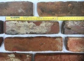 Ziegelriemchen Rot Dunkelrote Krumme hartgebrannte Kohlebrand