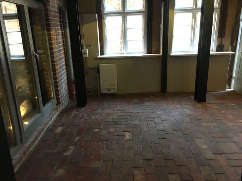 Bodenziegel original alte Mauersteine zu Bodenplatten Bodenfliesen Weinkeller Rückbausteine Backsteine Ziegelsteine Terracotta Ziegelboden Landhaus