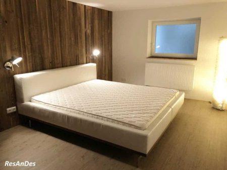 Altholz in Benutzung in einem Schlafzimmer