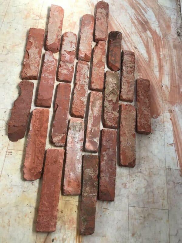 Riemchen aus alten Ziegelsteinen