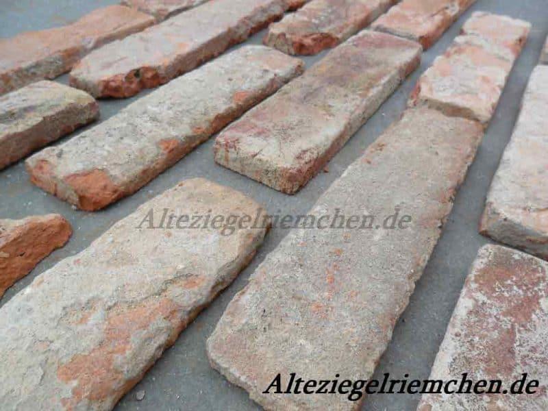 Antike Riemchen Außenschnitte