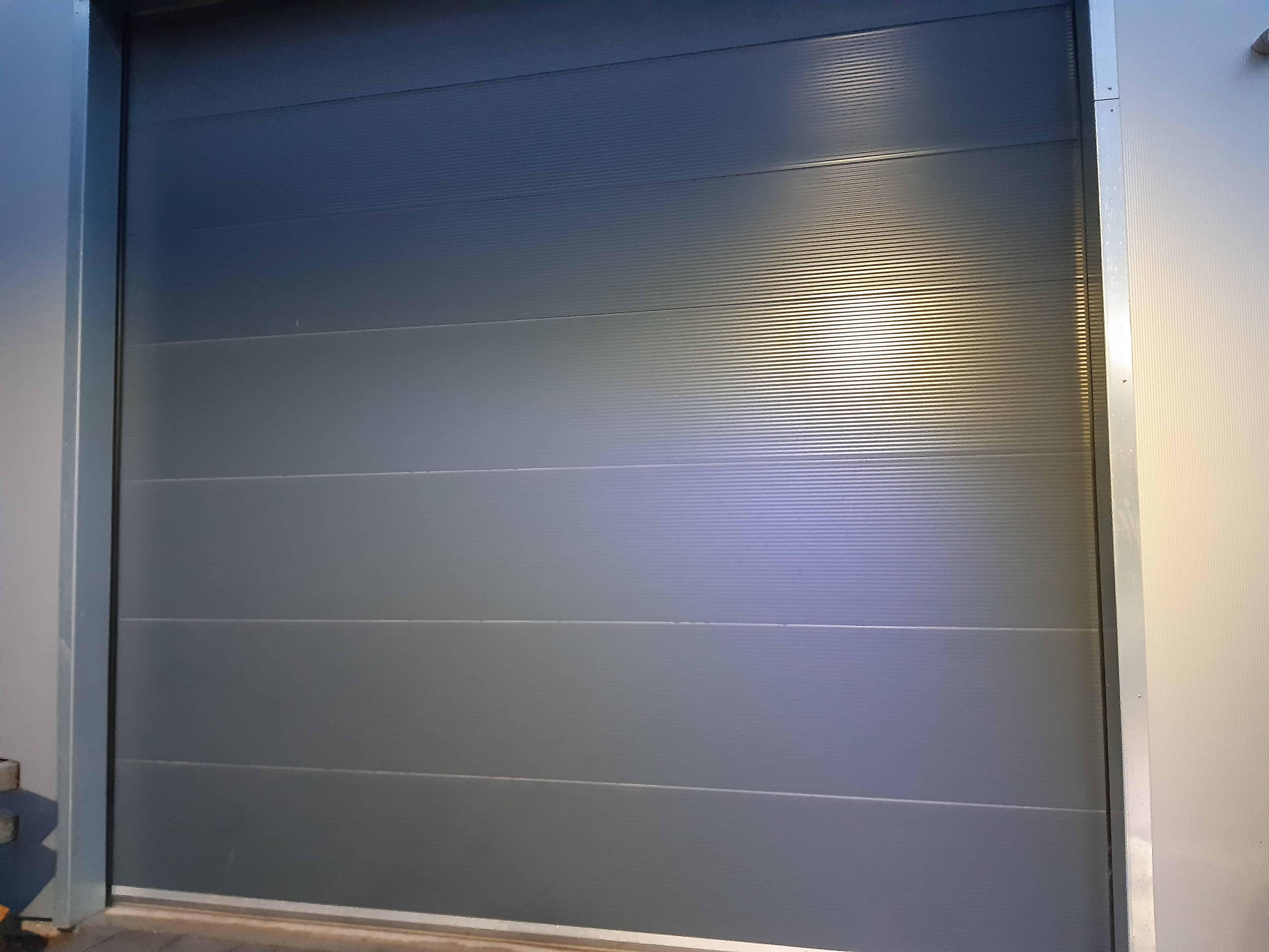 Stolle Tor , Sektionaltor 40mm pu ausgeschäumt mit Oberlicht