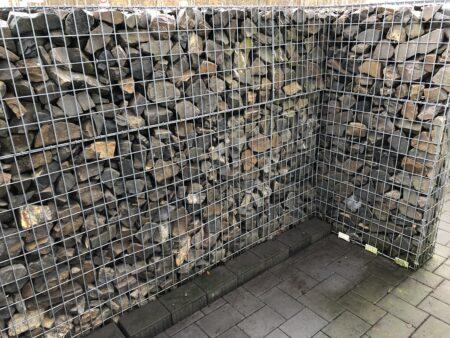 Gabione, Steinwand, Grauwacke, insg. 5,5 m, 1,5 m hoch, variabel